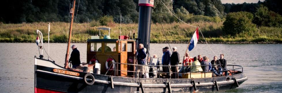 Maak een rondvaart op de stoomsleepboot Jan de Sterke